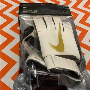 NWOT Nike GK match  gloves
